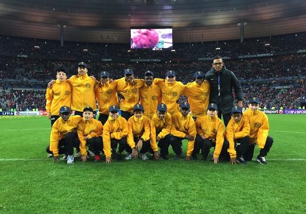 Image illustrant les jeunes de l'Académie Bernard Diomède à la finale de la coupe de la ligue de football 2015